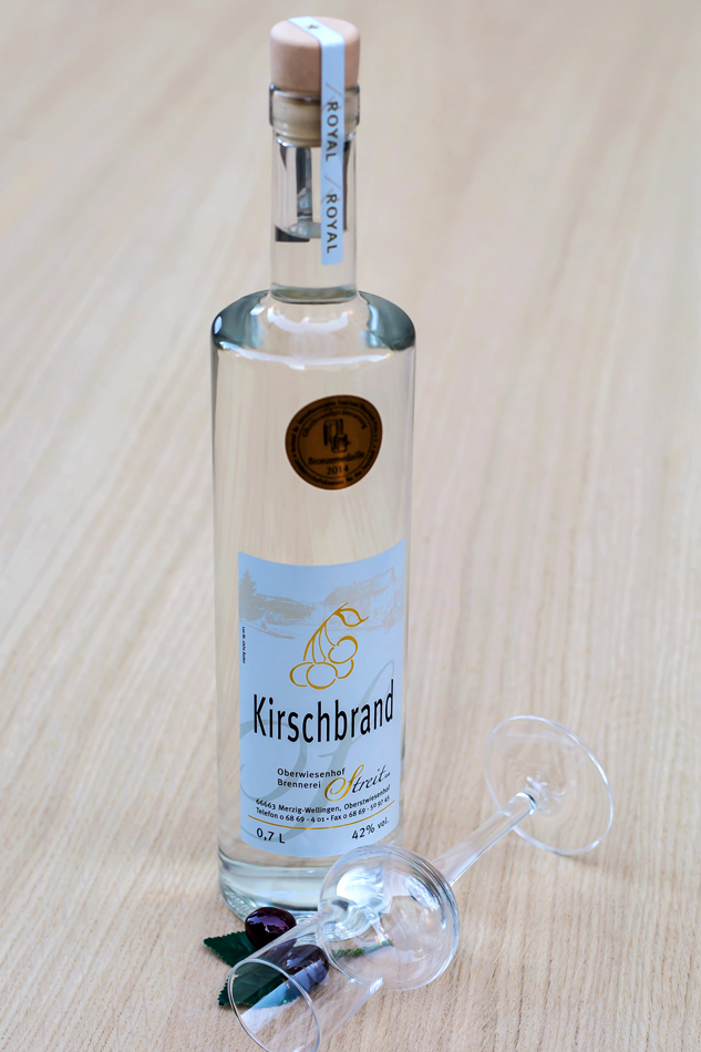 Kirsch-Obstbrand